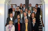 2012-begleitausschuss.jpg Der Begleitausschuss bestehend aus 21 Menschen.